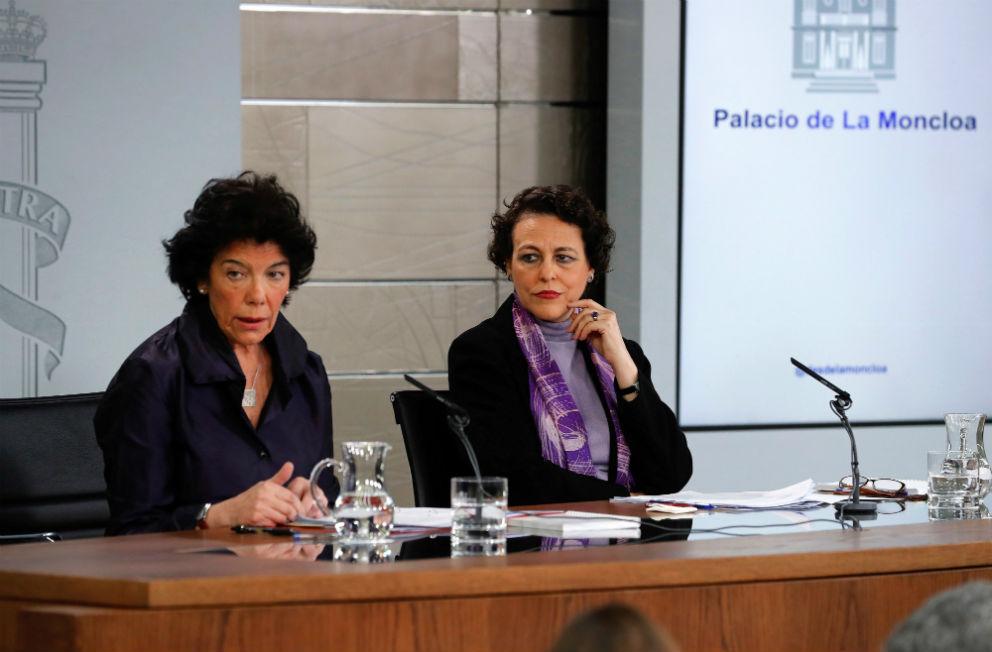 Las ministras Isabel Celaá (portavoz) y Magdalena Valerio (Trabajo), este viernes en el Consejo de Ministros