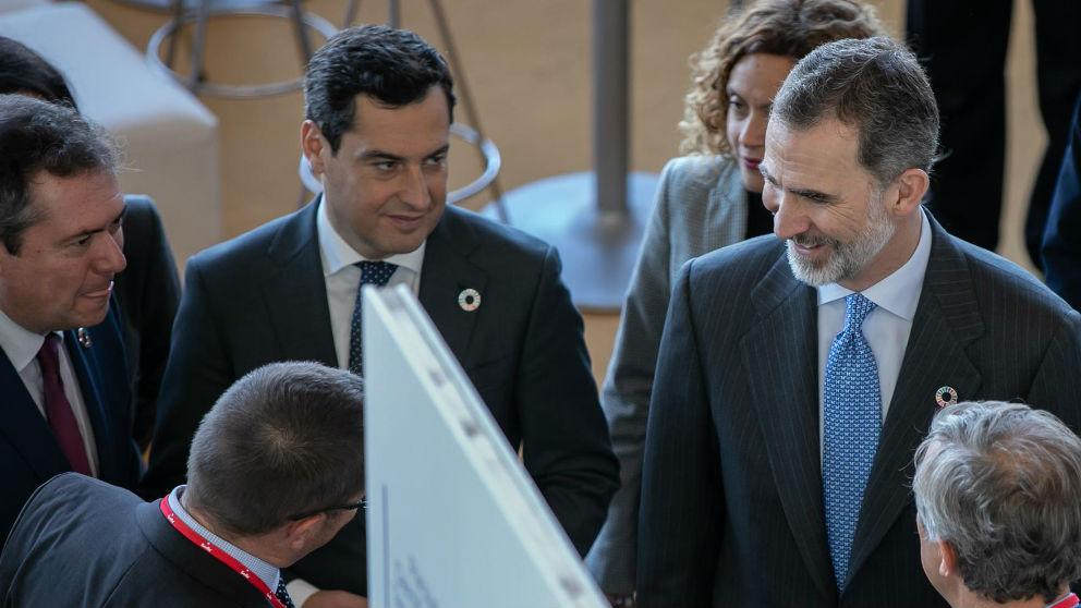 Felipe VI y Juanma Moreno. Foto: Europa Press