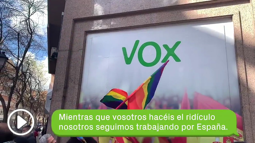 El escrache feminista que VOX ha 'agradecido' en las redes sociales