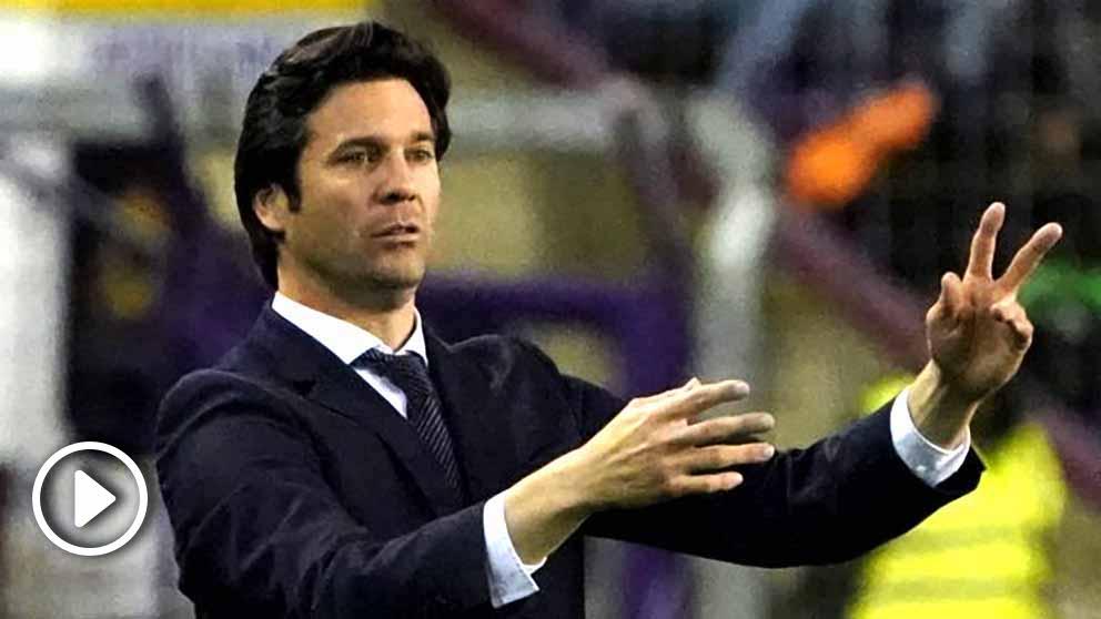 Solari dando instrucciones a sus jugadores en Zorrilla (AFP).
