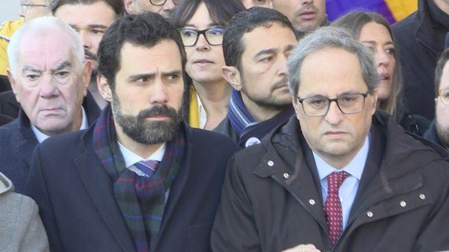 Torrent deja la decisión de suspender a Torra en manos de un funcionario del Parlament tras no lograr un acuerdo