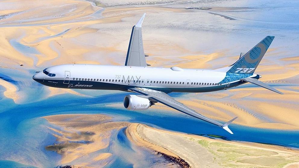 Un Boeing 737 MAX en pleno vuelo.