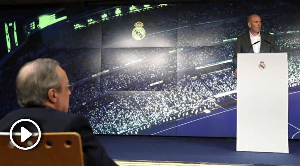 Florentino Pérez observa a Zidane en su regreso al Real Madrid. (EFE)