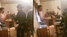 Dos momentos del vídeo que subieron a la red los tres menores argelinos en el que torturan y matan a un joven.
