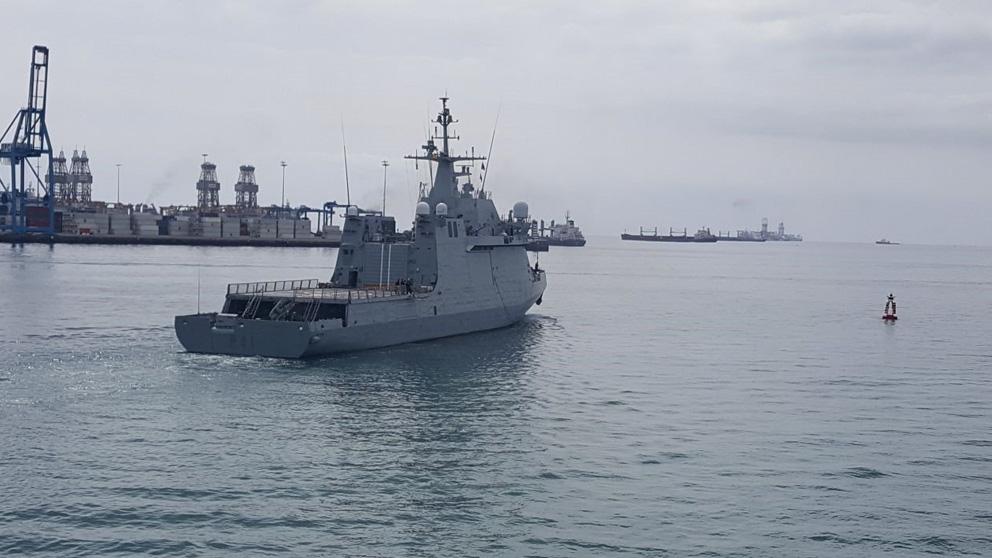 Operación Atalanta: Un buque de guerra zarpa hacia su destino.