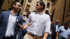 El líder de C's, Albert Rivera, y el ex secretario de Comunicación en Castilla y León, Pablo Yáñez. (Foto: C's)