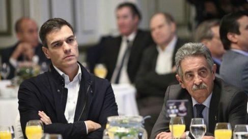 Pedro Sánchez y Miguel Ángel Revilla.