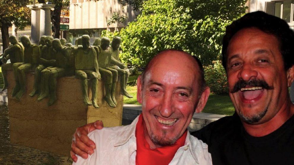 Una recreación del monumento con el representante y el artista.