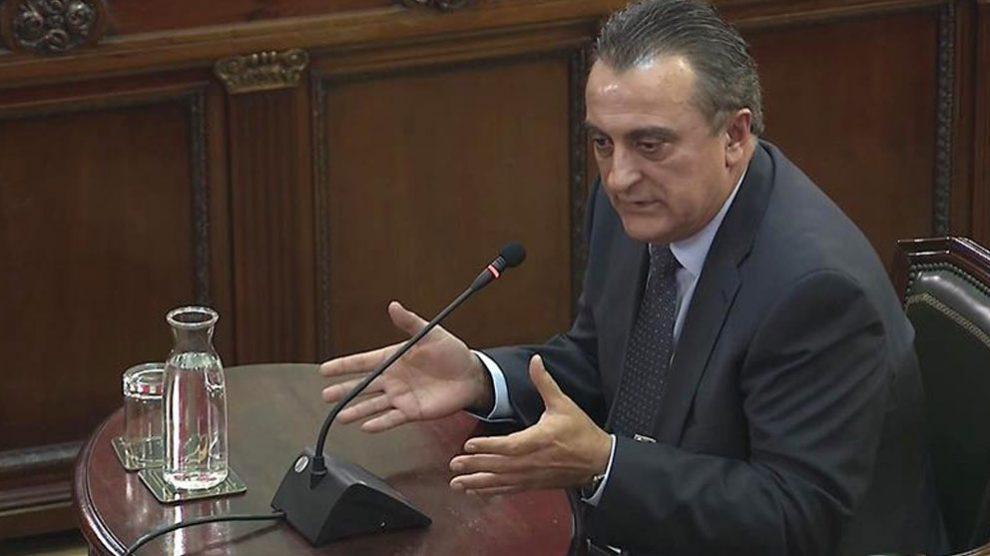 El comisario Manel Castellví, e jefe de Información de los Mossos d'Esquadra, declarando como testigo en el Tribunal Supremo.