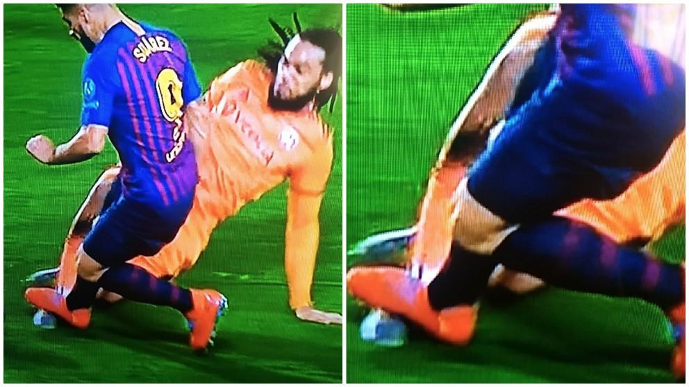 El penalti pitado a favor del Barcelona tras un pisotón de Luis Suárez.