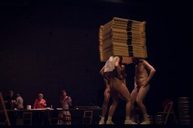 El Teatro Patrocinado por Carmena, que pagamos todos Dios-tiene-vagina-2-vertebro-foto-de-mila-ercoli-620x413