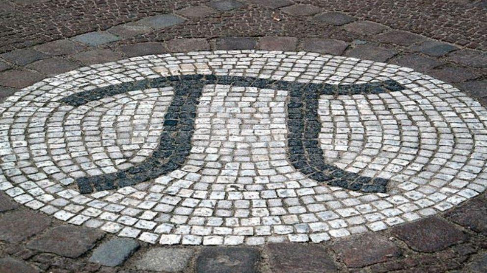 El número Pi (π) es enigmático y una constante con un valor igual al área del círculo o circunferencia.