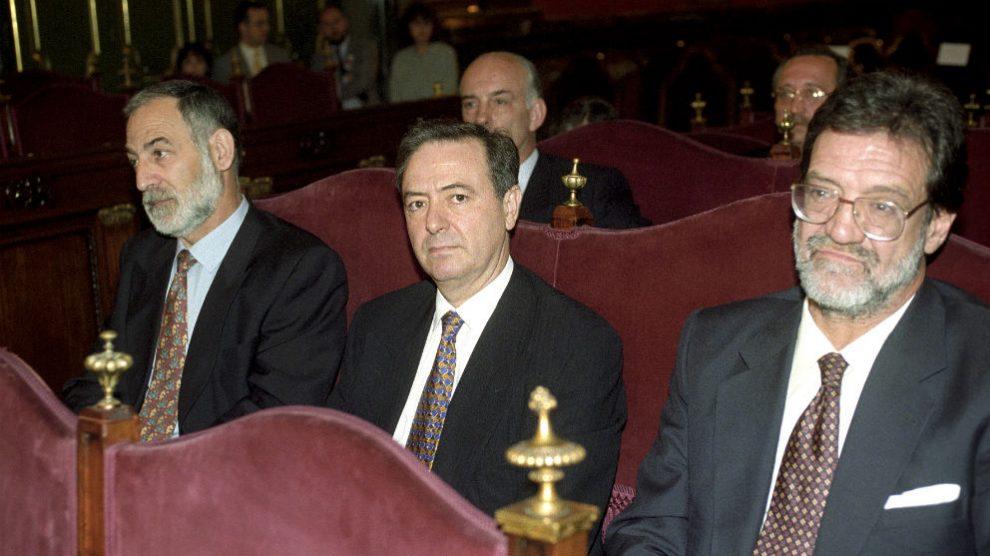 Francisco Álvarez, Julián Sancristóbal y Ricardo García Damborenea, en 1998 durante el juicio por el secuestro de Segundo Marey (Foto: EFE).