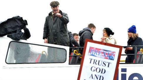 Nigel Farage en el inicio de la marcha a favor del Brexit (Foto: AFP).