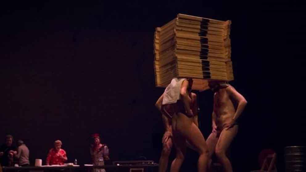 Escena de la obra 'Dios tiene vagina'. Foto: Europa Press