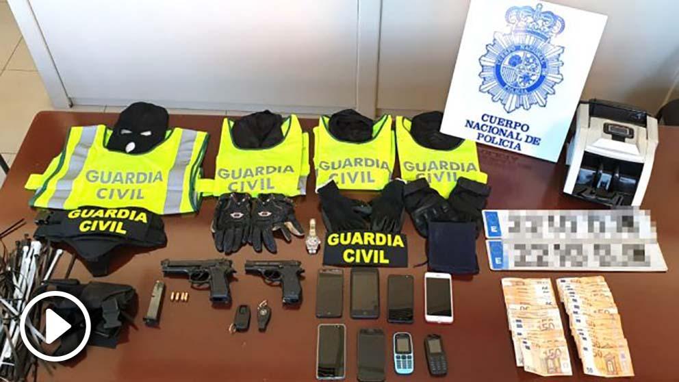 Objetos intervenidos al grupo detenido (Foto: EUROPA PRESS).