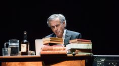 El filósofo francés Bernard-Henri Lévy durante una de las funciones de su espectáculo 'Looking for Europe'.
