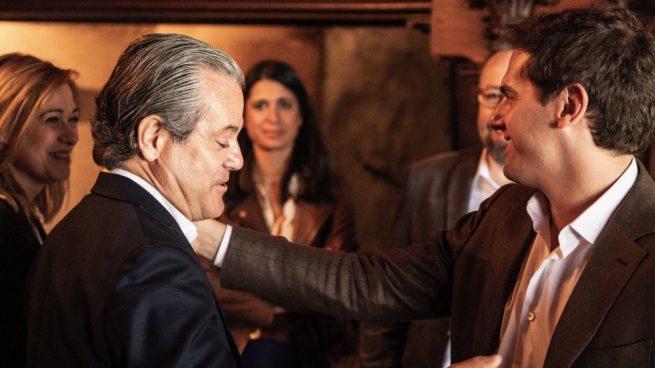 Rivera releva a Roldán por De Quinto y le recuerda que aprobó «ser firme» frente al sanchismo