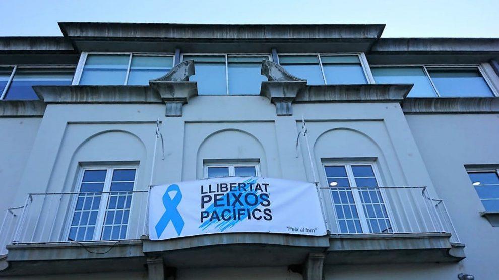Pancarta independentista en un ayuntamiento de Gerona. Foto: Europa Press