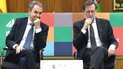 Los ex presidentes del Gobierno José Luis Rodríguez Zapatero (i) y Mariano Rajoy (d), participando en el ciclo de actividades organizado por la Universidad de León (ULe) (Foto: Efe)