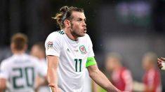 Bale, con Gales en un partido internacional (AFP).