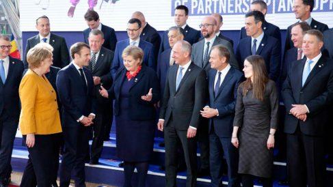 Los líderes europeos juntos para la foto antes de la cumbre en Bruselas que ha estado protagonizada por el Brexit. Foto: AFP