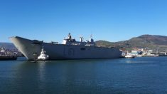 El buque de guerra de la Armada española 'Juan Carlos I' atraca en Guecho. (Fuente: Armada Española).