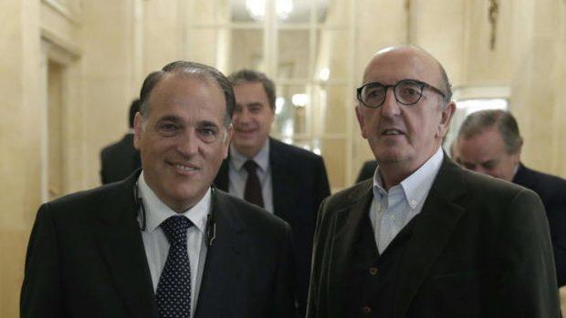 El chantaje de Tebas y Roures a los bares: «O pagas 400 euros o te llevamos a juicio»
