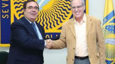 Paco Sánchez, de Facua (derecha)