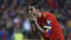 Sergio Ramos celebra su gol en el España – Noruega. (AFP)