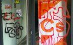 Atacan la sede de Ciudadanos en Pamplona con pintadas a favor de ETA y contra la Guardia Civil