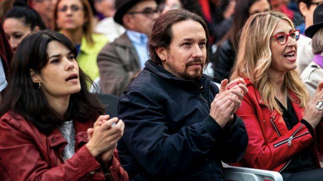 Isabel Serra, Pablo Iglesias y Mª Eugenia Rodríguez Palop, cabeza de lista de Podemos a las europeas. (Foto: Podemos) condenados Policía