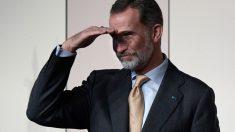 El Rey Felipe VI durante un encuentro en Argentina con españoles que viven en el país latinoamericano. Foto: AFP