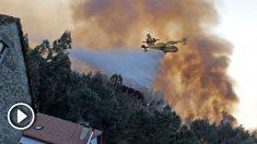 Tareas de extinción de los incendios de Galicia. Foto: EFEincendio