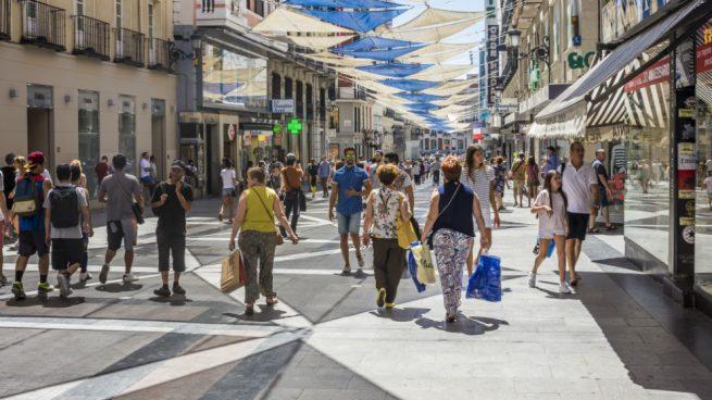 Los consumidores 'lo quieren todo': crecen las compras tanto en tiendas físicas como en todos los soportes digitales