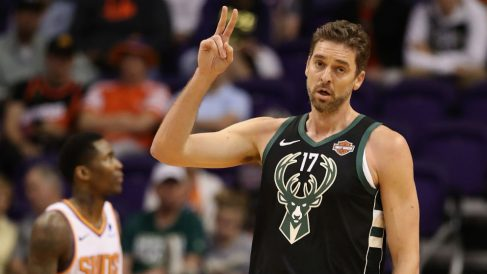 Pau Gasol, en un partido con los Bucks. (Getty)