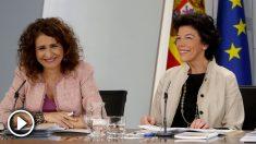 Las ministra de Educación, Isabel Celáa, y la de Hacienda, María Jesús Montero, durante la rueda de prensa posterior al Consejo de Ministros. Foto:EFE