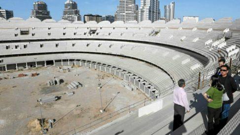 Peter Lim en una de sus visitas al Nuevo Mestalla (Valenciacf.com)