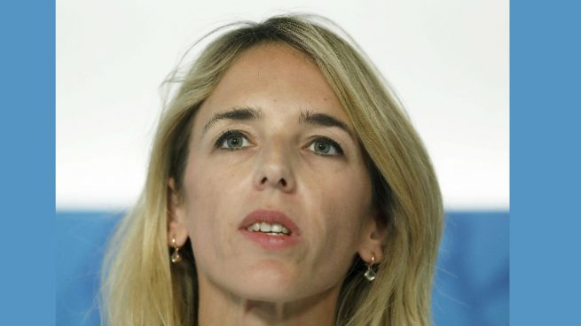 Álvarez de Toledo llama a Montero «mujer florero» por la oferta de la vicepresidencia social