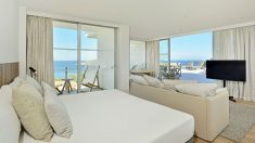 115HotelCalviaBeachThePlaza-Panoramic_Suite_Sea_View