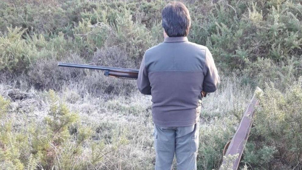 Un cazador al acecho de una presa. Foto: Europa Press