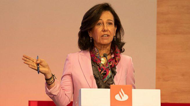 La CNMV decide no sancionar a Ana Botín por publicar la refinanciación de DIA en Twitter