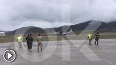 Diez heridos en una salida de pista real de un avión en un simulacro en Jaca (Vídeo: Dani González)