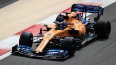 Fernando Alonso, en los test de Bahréin. (AFP)