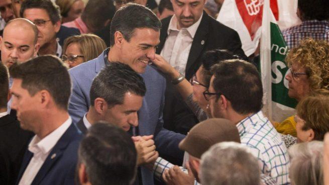 Sánchez pone en riesgo a sanitarios de todas las provincias andaluzas por usar las mascarillas 'fake'