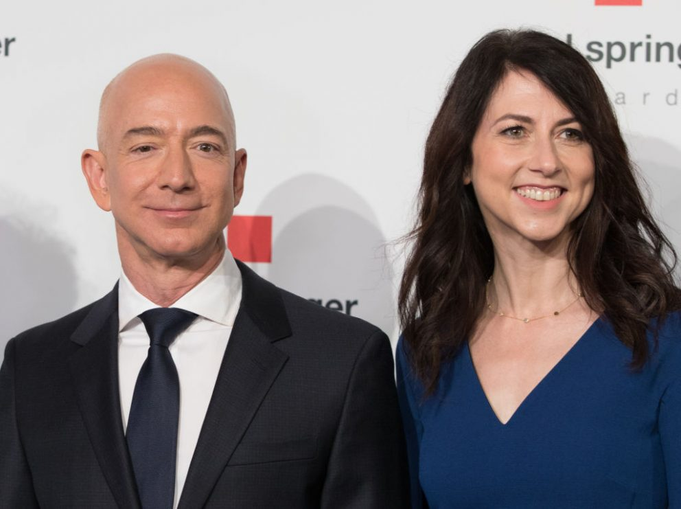 Jeff y MacKenzie Bezos, exesposos y propietarios de Amazon. Foto. Getty.