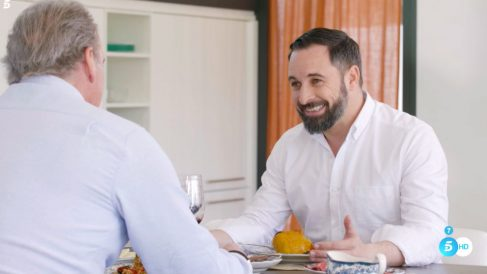 Santiago Abascal con Bertín Osborne en el programa 'Mi casa es la tuya'.