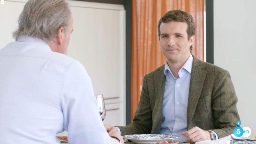 El presidente del PP, Pablo Casado, con Bertín Osborne.