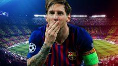 Leo Messi saluda a la grada tras un gol.