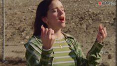 Rosalia nos emociona en el vídeo de James Blake